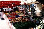Le Biot market